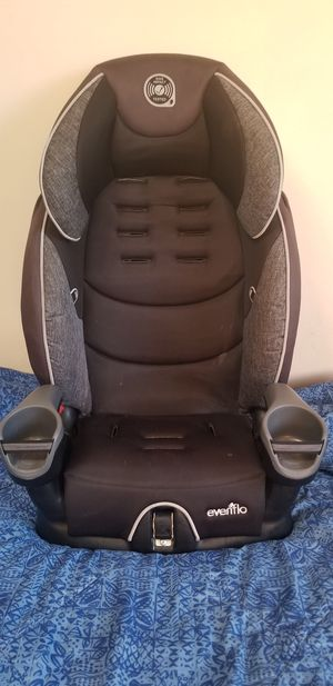 Graco car and booster seat for Sale in Seattle, WA