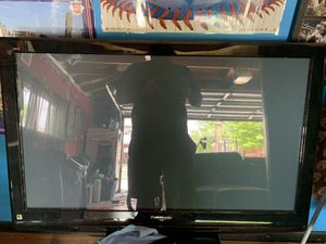 32 inch tv Panasonic works everything for Sale in Chicago, IL
