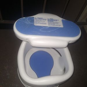 Baby Swing Bath Chair Ect Not Free Asking For Donation for Sale in Loma Linda, CA