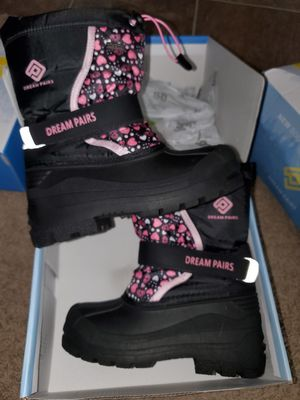 Size 1 girls winter boots for Sale in Phoenix, AZ