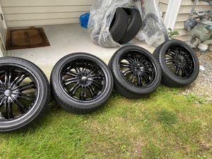 """Black 18"""" Rims with new ties and wheel spacers for Sale in Canton, MA"""