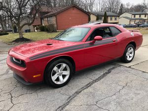 Dodge Challenger SXT 2013 miles 46000☝ title rebuilt , look super sexy low miles , leather seat , heated seat , GPS , sunroof, nice looking new oil b for Sale in Columbus, OH