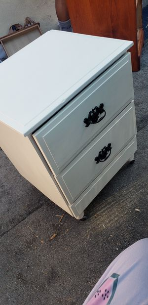 Night Stand / End Table for Sale in Long Beach, CA