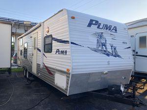Rv trailer de 27 pies año 2009 título en mano 786:327:1327 o 3699 nw 79 st Miami fl 33147 for Sale in Hialeah, FL