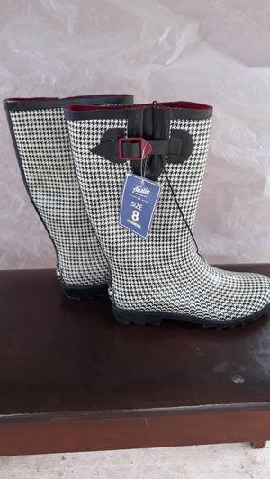 Austin size 8 rain boots for Sale in San Antonio, TX