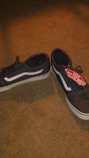 Man's vans shoes size 11.5 for Sale in Lafayette, LA