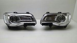2015-2016 Chrysler 300 chrome headlights for Sale in Detroit, MI