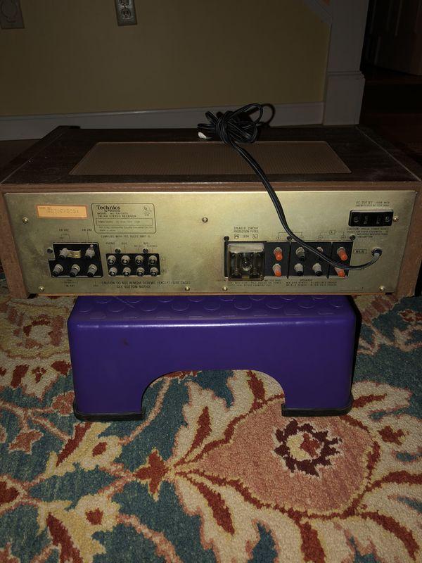 Technics FM/AM vintage stereo receiver