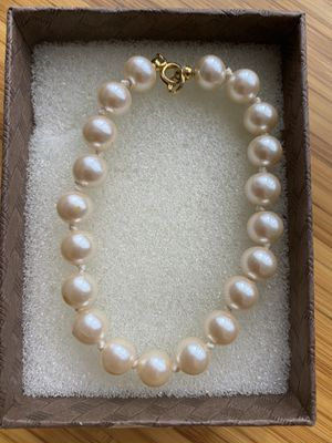 Cute imitation pearl bracelets,accept offers to for Sale in Alexandria, VA