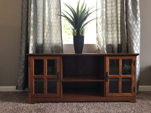 Beautiful TV stand / Hutch for Sale in North Las Vegas, NV