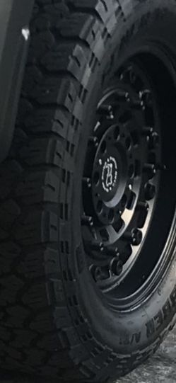 35X12.50R20 General Grabber ATX for Sale in Tualatin,  OR