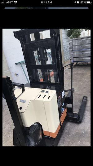 Electric forklift 4000lb for Sale in West Palm Beach, FL
