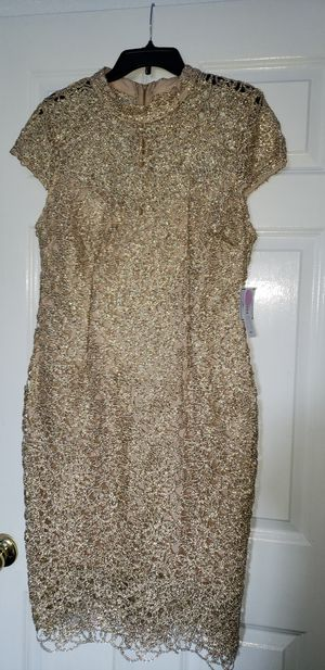 Beautiful gold glitter formal dress size 16 never worn for Sale in San Antonio, TX