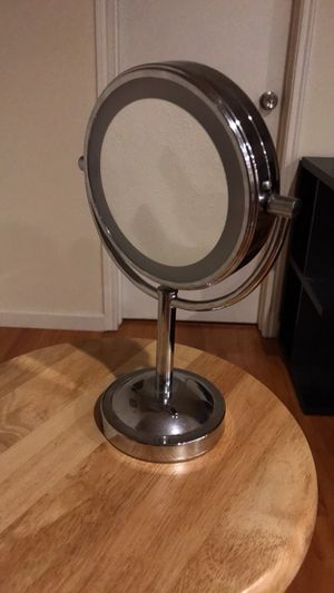 Vanity Makeup Mirror 7x Magnification for Sale in Houston, TX
