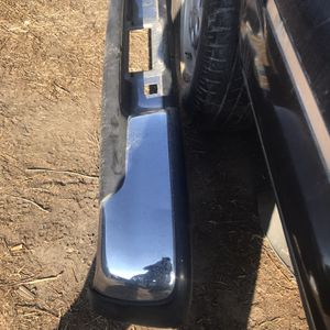 Bumper For GMC 2005 .Chevy Tahoe 2004 .defensa Chevy Silverado 2011 for Sale in Fresno, CA