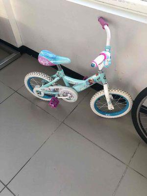 Frozen little girl bike for Sale in Pompano Beach, FL