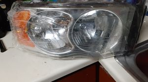 2004 dodge ram 1500 slt 5.7hemi headlights assembly for Sale in NEW KENSINGTN, PA