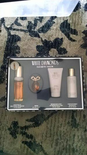 White Diamonds Elizabeth Taylor for Sale in Lakewood, CO