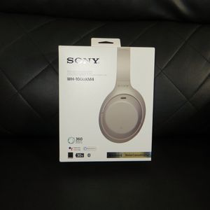 Sony WH-1000 XM4 Noise Cancel Headphones for Sale in Fort Worth, TX