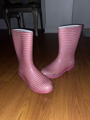 UGG - Pink and White Girl Boots - Size 5 for Sale in Aurora, IL