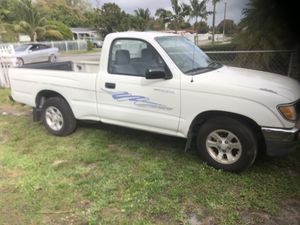 Toyota tacoma 1996 /1900 for Sale in Hialeah, FL