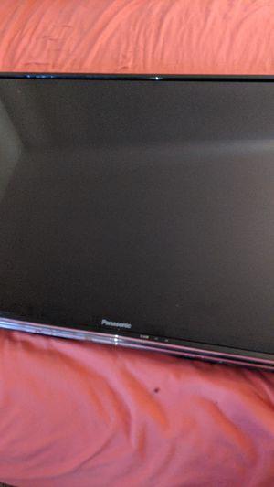 """Panasonic 40"""" LCD HD flat screen T.V. W/ Wallmount for Sale in Seattle, WA"""