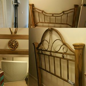 Metal bed frame. Headboard, footboard, and box spring all included for Sale in Sylacauga, AL
