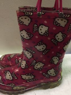 Girls size 13 Hello Kitty rain boots for Sale in North Riverside,  IL