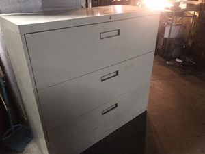 3 DRAWER FILE CABINET for Sale in New York, NY