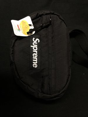 SUPREME FW18 WAIST BAG BLACK for Sale in The Bronx, NY