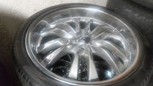 "Wheels and tires 22"" 6 lug chevy for Sale in Riverside, CA"