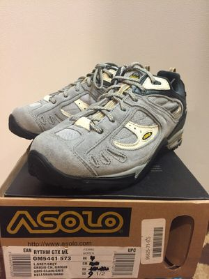 Hiking shoes size 9.5 for Sale in Chicago, IL