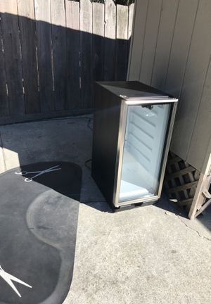 U line mini wine cooler fridge for Sale in Sunnyvale, CA