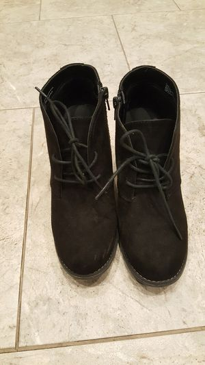 Girls wedge boots size 7 for Sale in Pittsburgh, PA