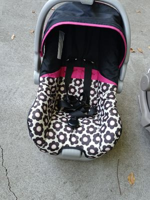Good condition baby car seat for Sale in Sacramento, CA