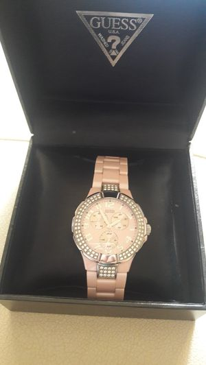 GUESS WOMEN WATCH U11622L1 LIKE NEW, BOX INCLUDED for Sale in Coral Springs, FL