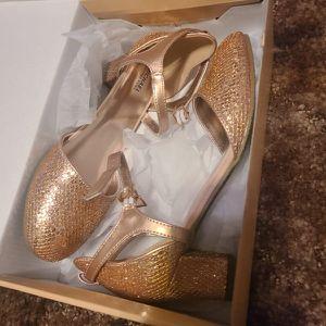 Michael Kors girl Shoes $25 brand new for Sale in Oklahoma City, OK