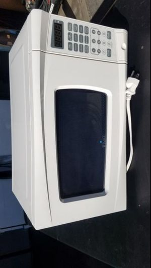Small microwave for Sale in Fontana, CA