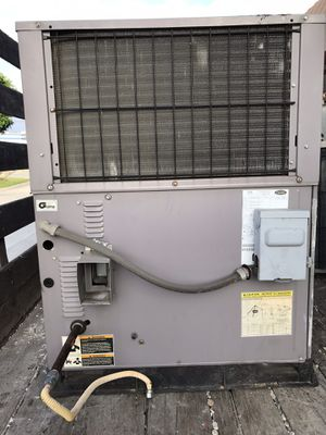Carrier 2.5 ton r22 package unit for Sale in Azusa, CA