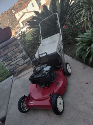 Toro Push LAWN MOWER IN GOOD WORKING CONDITIONS for Sale in Riverside, CA