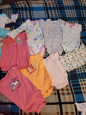 BABY GIRL CLOTHES SIZE 3,6,9,12 MONTHS 37 PIECES for Sale in Miami, FL