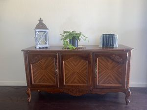 Vintage Console table/ buffet/ tv stand for Sale in Hayward, CA