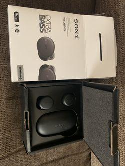 Sony Bluetooth headphones wireless for Sale in Dallas,  TX