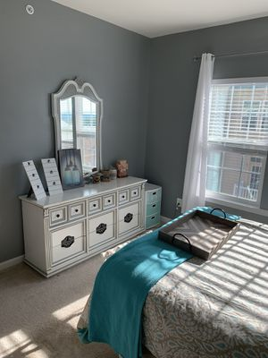 Bedroom furniture for Sale in Gainesville, VA