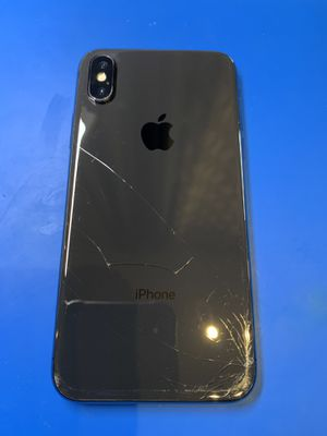iPhone X - 64GB unlocked for all companies for Sale in San Francisco, CA