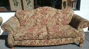 Clawfoot foot Couch and loveseat set for Sale in Lake Wales, FL