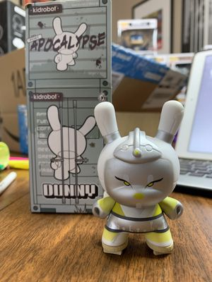 """Dunny 3"""" Robo Geisha LIME GREEN Apocalypse Series by Huck Gee with box and foils retails +/-$18. Vinyl collectible toy. for Sale in Austin, TX"""