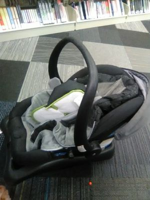 Car seat need gone by Tomorrow for Sale in Colorado Springs, CO