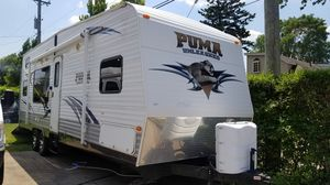 2010 puma unleashed toyhauler 28ft for Sale in Chicago, IL