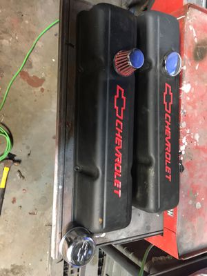 Chevrolet valve covers for Sale in Vancouver, WA